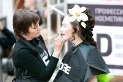 idérik stylist för makeupmodellshow Royaltyfria Bilder