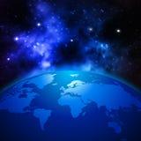 Idérikt abstrakt vetenskapligt begrepp för global kommunikation: göra mellanslag sikten av jordplanetjordklotet med världskartan  Fotografering för Bildbyråer