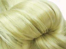 idérikt hår för blond coiffure Arkivfoto