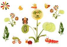 Idérikt matbegrepp Sagolikt land som göras av frukter och veg Arkivbilder
