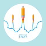 Idérikt startbegrepp Starta upp med blyertspennaraket Royaltyfri Bild