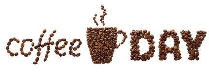 Id?rikt baner f?r kaffedag Kopp som g?ras av kaffeb?nor och text arkivbilder