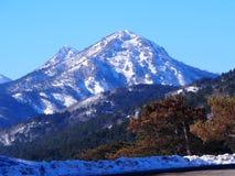 Ida Mountain couverte par neige image libre de droits
