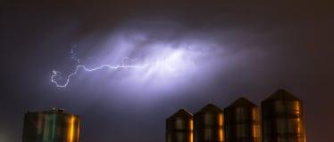 Idaho-Gewitter-Speicher-Silo-elektrischer Sturm-Blitzschlag Stockfotografie