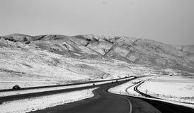Idaho US zwischenstaatliche 86, im winterlichen Schwarzweiss-Foto Lizenzfreie Stockfotos