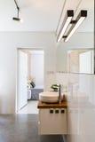Idea bianca del bagno di alta lucentezza Fotografia Stock Libera da Diritti