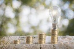 Idea de aumentar el dinero Imágenes de archivo libres de regalías