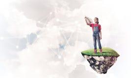 Idea de la comunicación de Internet de los niños o en línea de jugar y del PA Imagen de archivo