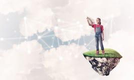 Idea de la comunicación de Internet de los niños o en línea de jugar y del PA Imagenes de archivo