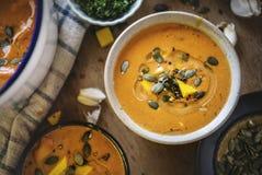 Idea de la receta de la fotografía de la comida de la sopa de la calabaza Fotografía de archivo libre de regalías