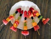 Idea del plato de fruta imágenes de archivo libres de regalías