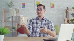 Idea di concetto della consegna fulminea veloce al clic delle vostre dita archivi video