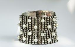 Idea elegante di progettazione del braccialetto del diamante Fotografia Stock Libera da Diritti