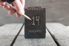 Idea feliz del día del ` s de la tarjeta del día de San Valentín, el 14 de febrero calendario Imágenes de archivo libres de regalías