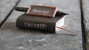 Idea retra de las graduaciones de la universidad almacen de video