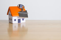 Ideal time to sell your propert - sellers market. Foam house and key ring with the words Seller's Market stock image