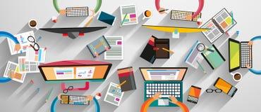 Idealer Arbeitsplatz für Teamwork und Brainsotrming mit flacher Art Stockfotografie