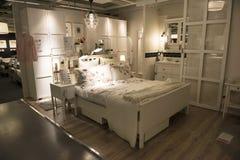 Idealt sovrum i det IKEA lagret, Sydney arkivfoton