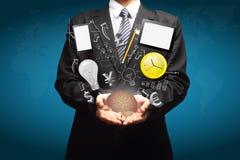 Ideas creativas del negocio de la tecnología en las manos de hombres de negocios ilustración del vector
