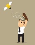 Ideas del bulbo del lanzamiento del hombre de negocios, libertad de pensamiento Imagenes de archivo