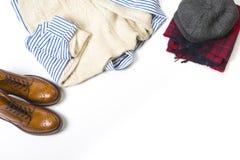 Idee e concetti di modo ` S Tan Brogue Boots, Checkere rosso dell'uomo immagine stock