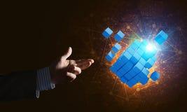 Idee van nieuwe die technologieën en integratie door kubuscijfer worden voorgesteld Royalty-vrije Stock Foto