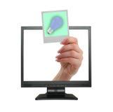 IDEEN-Ansage, die vom LCD-Bildschirm herauskommt lizenzfreie stockfotos