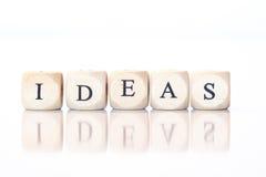 Ideen buchstabiert mit Würfelbuchstaben Lizenzfreies Stockbild