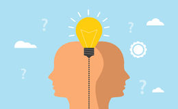 Ideen- und Fantasiekonzept mit menschlichen Männern gehen mit Glühlampe mit blauem Hintergrund voran Lizenzfreie Stockfotografie