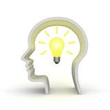 Ideenglühlampe im menschlichen Kopf Stockfotos