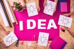 Ideenweißbuchstaben Stockfotos