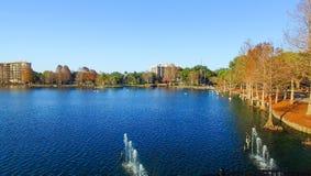 Ideia aérea bonita da skyline de Orlando sobre o lago Eola, Florida Fotografia de Stock Royalty Free
