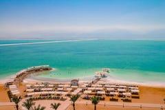A ideia aérea da área da praia do Mar Morto do recurso de Ein Bokek está dentro imagens de stock