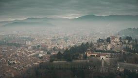 Ideia aérea da arquitetura da cidade de Bríxia, Itália video estoque