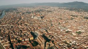 Ideia aérea da arquitetura da cidade de Florença em um dia ensolarado, Itália filme