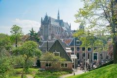 Ideia aérea da arquitetura da cidade de Leiden do Burcht histórico v imagens de stock royalty free