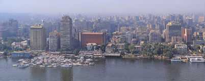 Ideia aérea da capital do Cairo da skyline de Egito foto de stock royalty free