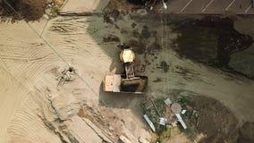 Ideia aérea da construção de estradas na cidade de Krasnodar filme