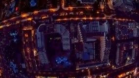 Ideia aérea da iluminação da noite dos hotéis perto da praia Tenerife, Ilhas Can?rias, Spain vídeos de arquivo