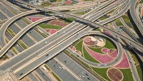 Ideia aérea da junção de estrada em Dubai filme