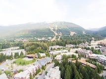 Ideia aérea da skyline do assobiador, Canadá Imagens de Stock