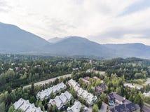 Ideia aérea da skyline do assobiador, Canadá Fotografia de Stock
