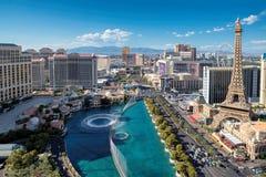 Ideia aérea da tira de Las Vegas em Nevada como visto no dia ensolarado Fotos de Stock Royalty Free