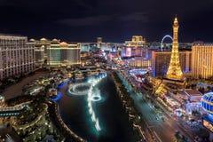 Ideia aérea da tira de Las Vegas na noite fotos de stock royalty free