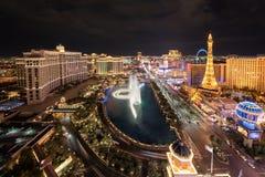 Ideia aérea da tira de Las Vegas na noite imagens de stock