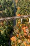Ideia aérea das cores em mudança da queda de Nova Inglaterra foto de stock