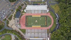 Ideia aérea de terras de Stadium On The do cervejeiro de Kidd do appalachian imagens de stock