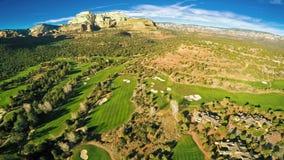 Ideia aérea de um campo de golfe filme