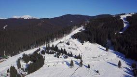 Ideia aérea de um recurso do skii video estoque