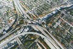 Ideia aérea de uma interseção maciça da estrada no LA Imagens de Stock